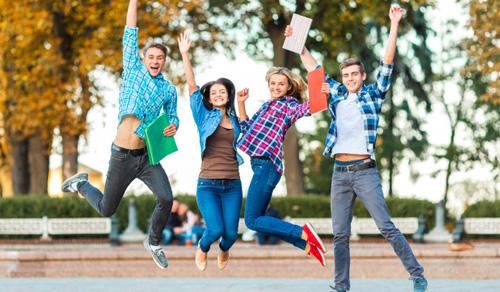 澳大利亚莫纳什大学2+2本科达标保录班